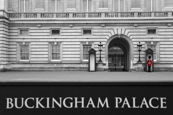 Die obligatorische Wache am Buckingham Palace als Color-Key.