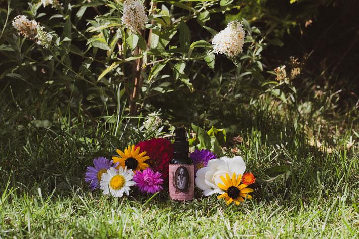 Haaröl Blütenerwachen mit Blumen