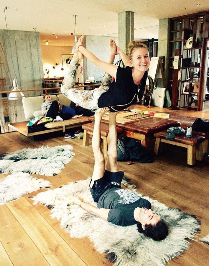 Kristall Kristalle Kind Kinder Yoga MOMazing Mama Mami Yoga Blog