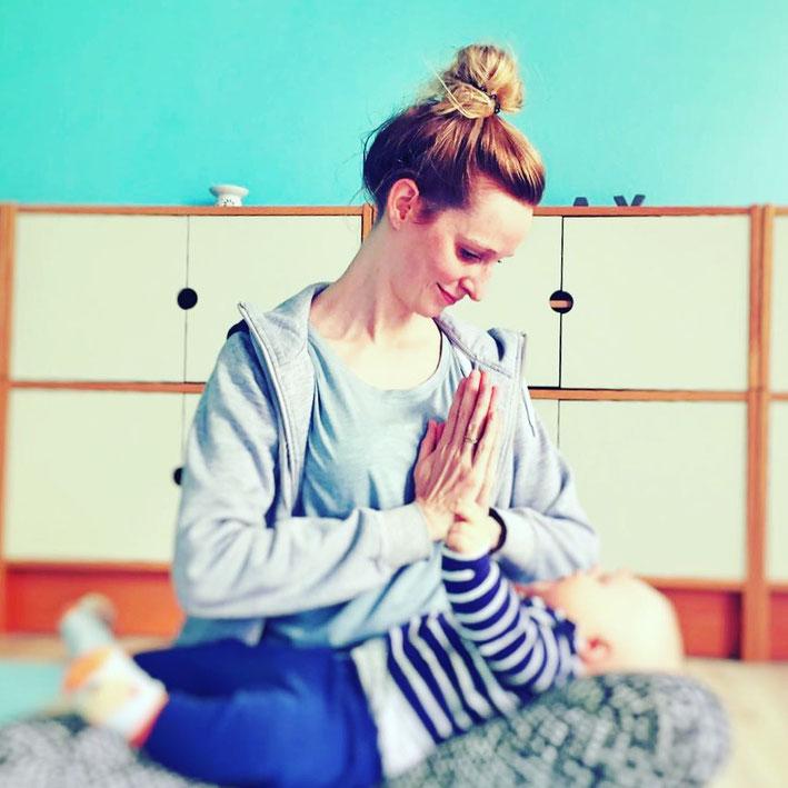 Mama-Auszeit Hoftel Föhr Nordsee Yoga mit Baby und Kleinkind Ferien Retreat MOMazing Yoga Mama Mami Blog