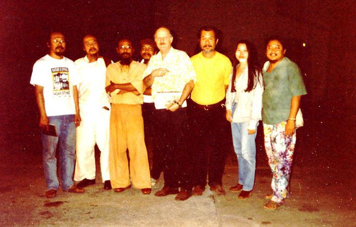 Pedro Meier with Thai Artist friends - outer left - Vasan Sitthiket