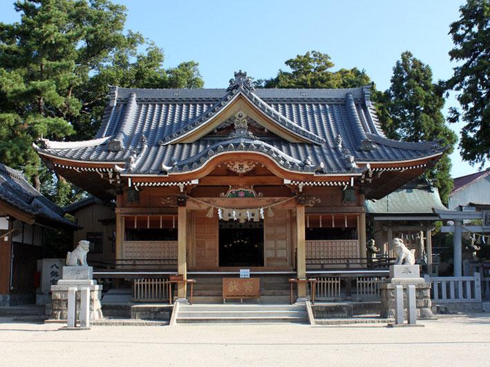 八剱神社本殿