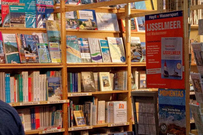 Hausboot Smalltalk am Buchzentrum Maritim auf der boot in Düsseldorf