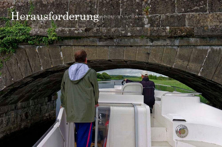 Faszination Hausbootfahren - es gibt auch kleine Herausforderungen