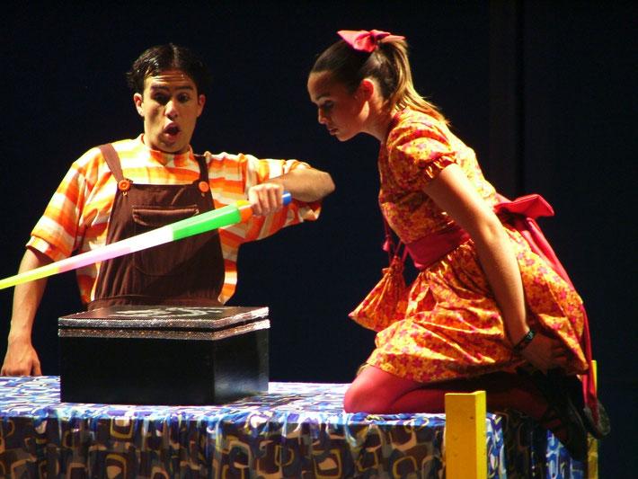 ¿A QUÉ JUGAMOS? TEATRO UNIVERSITARIO Ensenada 2005