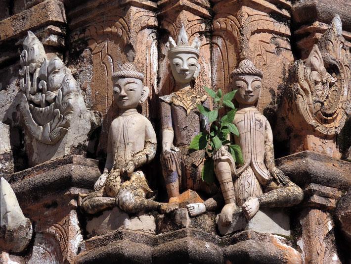 Steinfiguren in Kakku