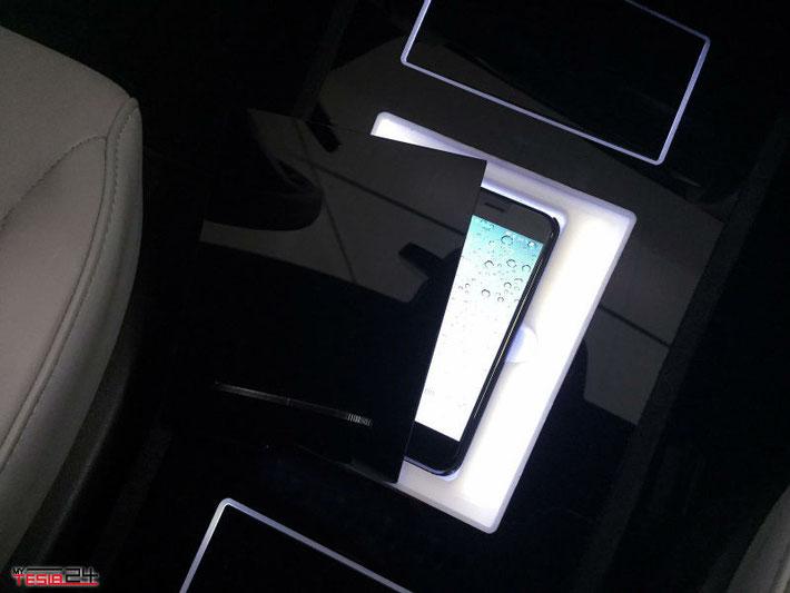 Mittelkonsole, Tesla, S integriertem Handyhalter