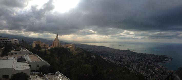 Blick von Harissa auf Beirut und das Mittelmeer.