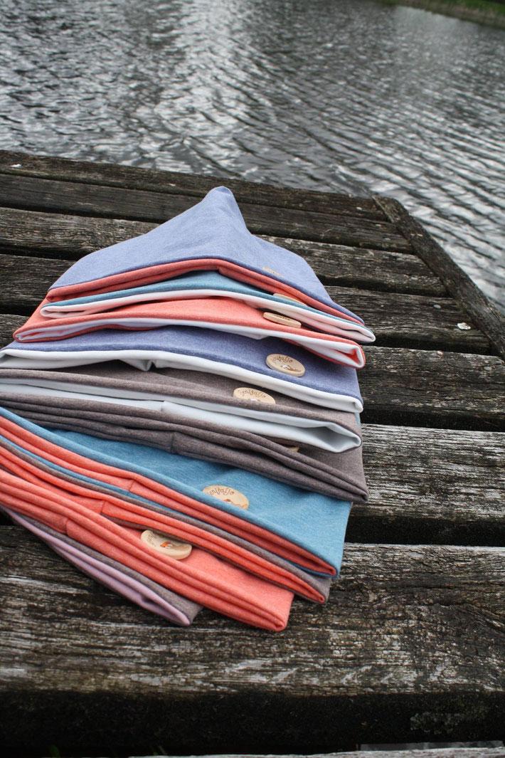 Beanie, Holzknopf, eigenes Label, Mützenkollektion, Benitaljo, Plönjeshausen, Bremervörde, Nordsee, Ostsee, Surfshop, Kitesurfer, Mütze, Firmen, Unternehmen, Dein Logo