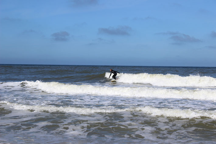 Wellenreiten-Surfen-Wellen-Sylt