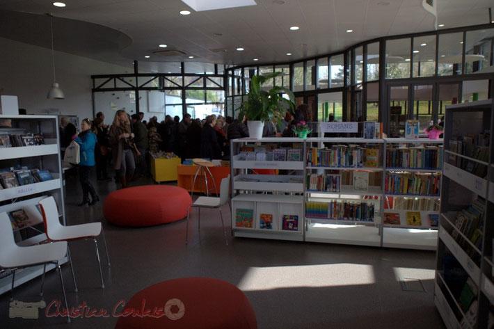 Espace de lecture de la bibliothèque La Source, Sallebœuf