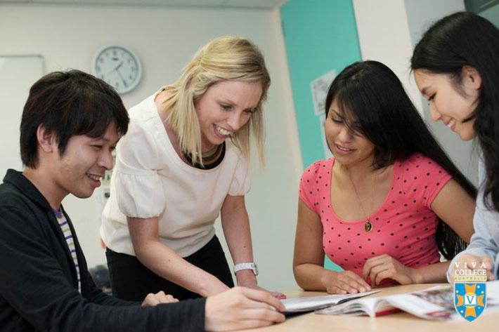 Viva College IELTS試験対策コース