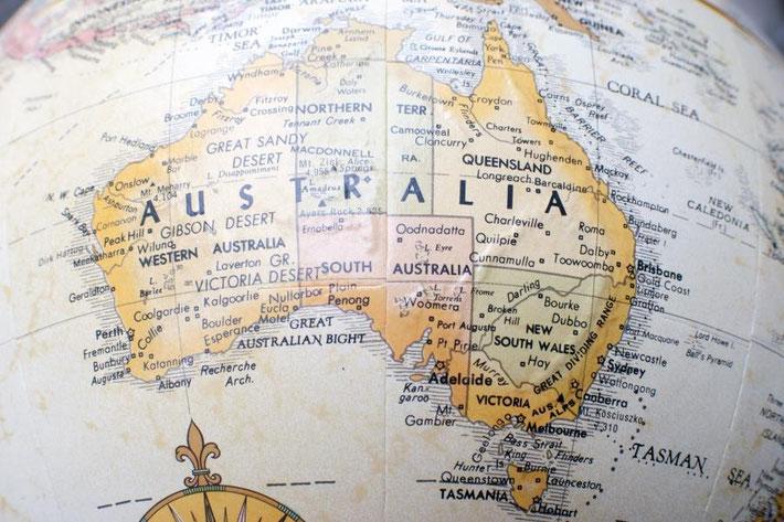 地球儀上のオーストラリア地図
