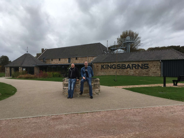 Our men in front of the Kingsbarns Distillery :-)