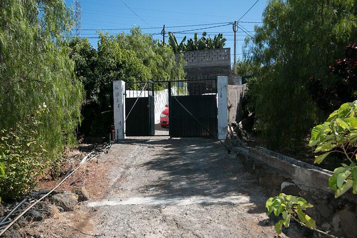 Eingangstor der Finca