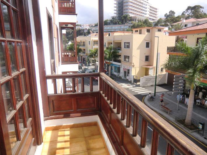 Blick vom Balkon in die Innenstadt von Puerto de la Cruz