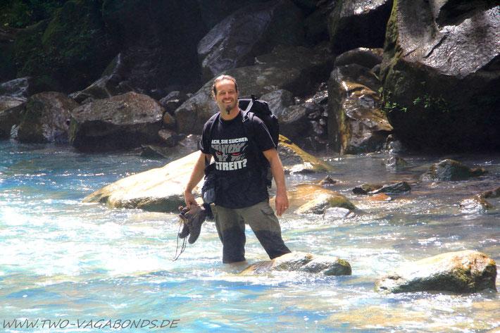 SEITENWECHSEL - DURCH DEN RIO CELESTE