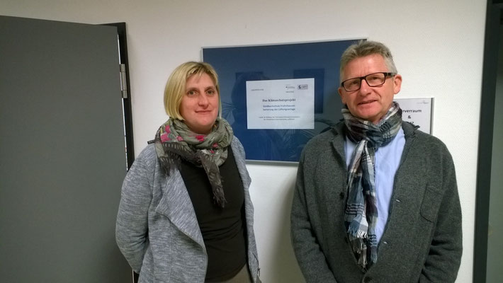 Über die Förderung durch das Bundesministerium für Umwel, Naturschutz, Bau- und Reaktorsicherheit freuen sich Konrektorin Stefanie Hillmann und Rektor Heiko Bickel.