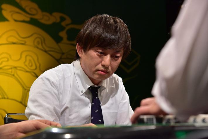 「緊張しすぎて理牌忘れました」と語るHIRO柴田