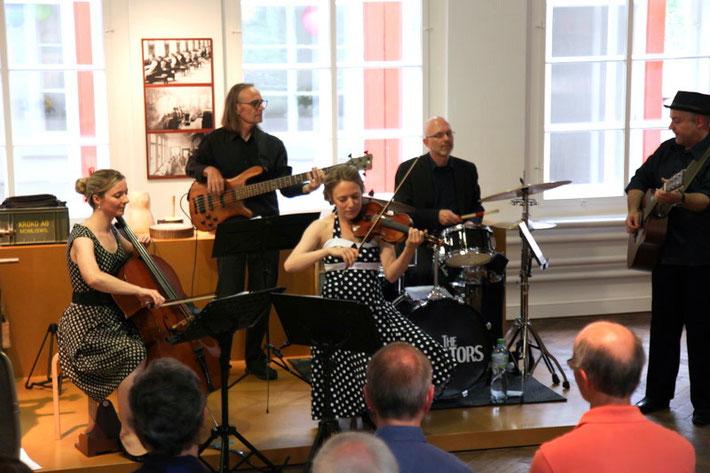 Plagiators mit Susanne Portmann (Cello) in Mümliswil