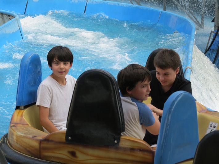 """ATLANTIS RAFTING - DIE Jahrmarkts-/Kirmes-Wildwasserbahn: """"Alle Kids an Bord!"""""""