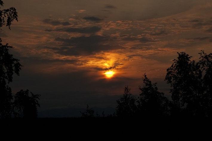 Auch die sommerliche Abendsonne vor Mitternacht konnten wir bewundern.