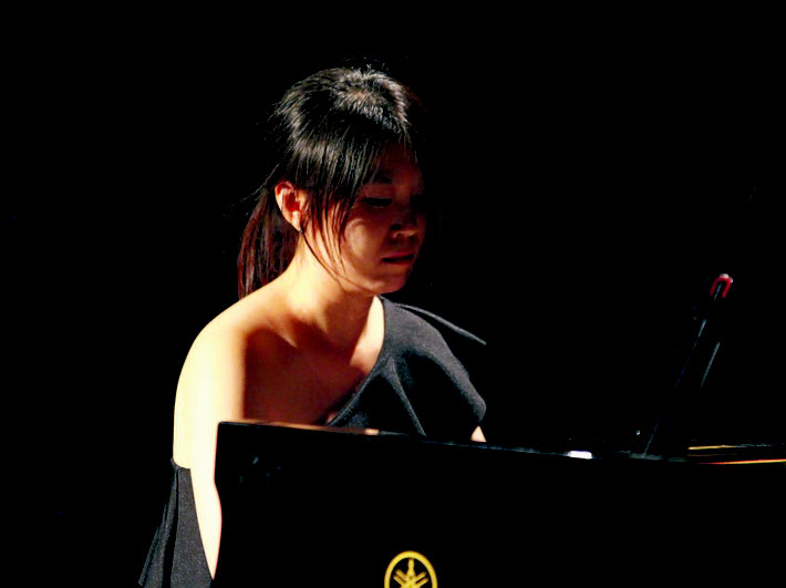Heri Choi begeisterte mit Klängen von Bach bis zur Amerikanerin Lena Auerbach. Sie und weitere sechs Musiker waren beim Abschlusskonzert zu hören.