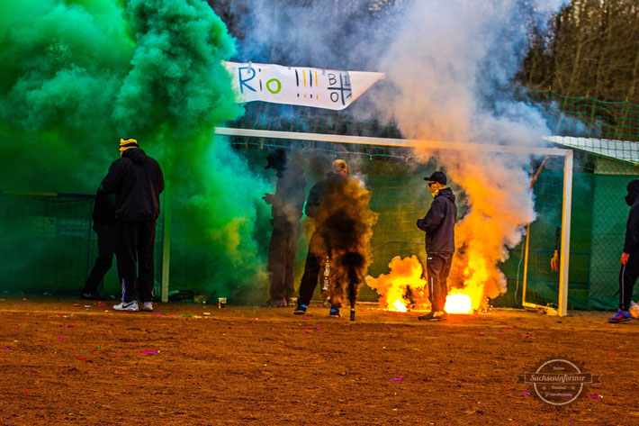 Black Devils Hoyerswerda - Pyrotechnik in Thonberg Groundhopping