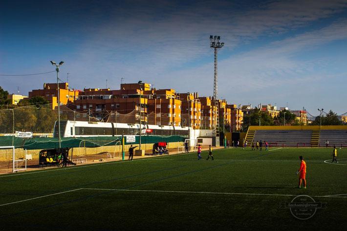 "05.12.15 - 1ª Valencia Cadete Grupo 2 - Spanien - Estadio ""Gerardo Salvador"" - Paterna C.F. vs. Levante U.D. III 2:105.12.15 Spanien Estadio ""Gerardo Salvador"" Paterna C.F. vs. Levante U.D."
