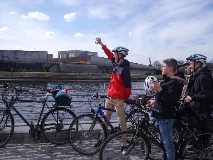 Au départ d'une balade à vélo de 3 heures...sous le soleil !