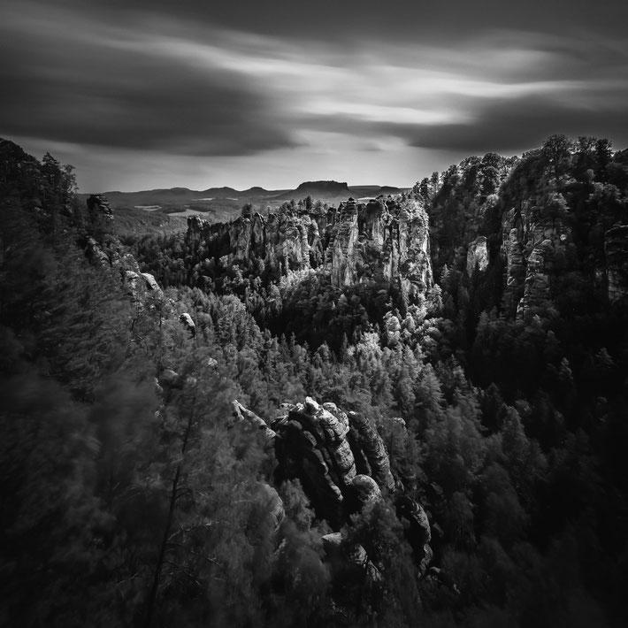 Die Bastei :: Copyright Martin Schmidt, Fotograf für Schwarz-Weiß Fine-Art Architektur- und Landschaftsfotografie aus Nürnberg