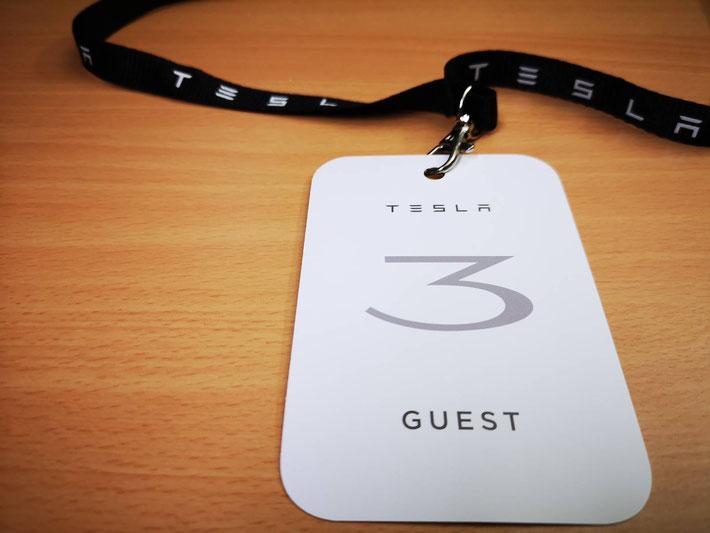 Als erstes durften aktuelle Reservationsinhaber das Tesla Model 3 begutachten