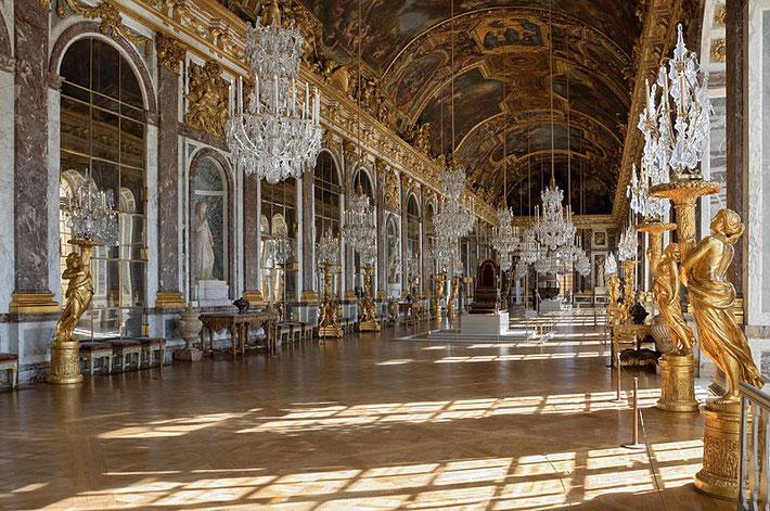 ベルサイユ宮殿鏡の間 ccウィキメディア
