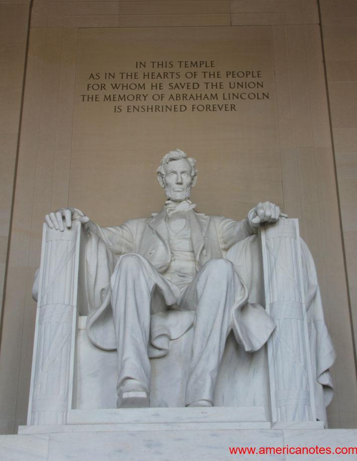 Die besten Sehenswürdigkeiten und Reisetipps für Washington D.C. Lincoln Memorial.