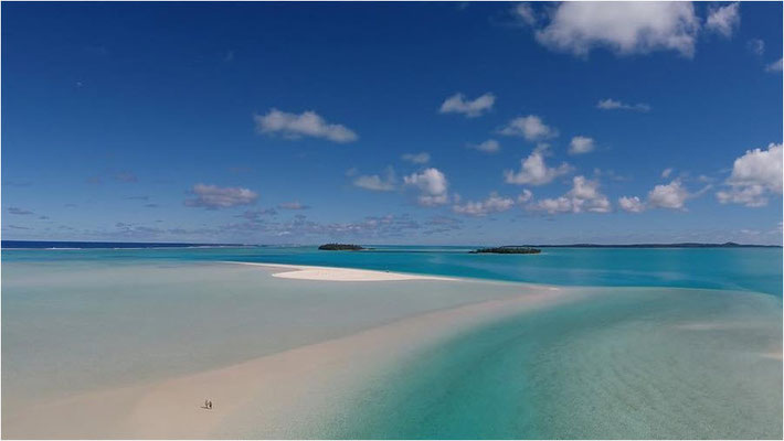 http://www.cookislands.travel/