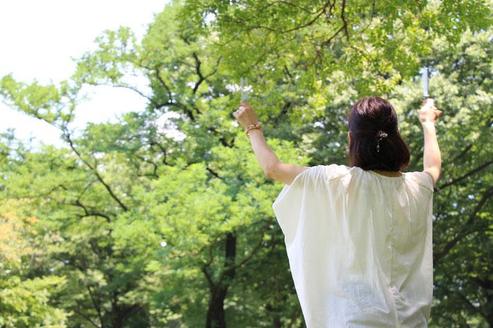 砧公園の木々と共鳴してるかな?