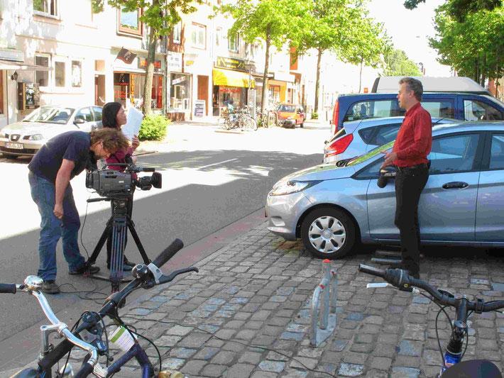 """Die Findorffer Station """"Admiralstraße"""" schaffte es sogar bis ins chinesische Staatsfernsehen: Das Interesse der Reporter war bei der Expo 2010 in Schanghai geweckt worden, berichtete Michael Glotz-Richter vom Umweltsenator den Findorffern."""