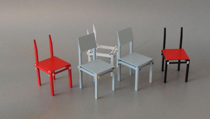 Militärstuhl ist ein Ableger des Berühmten Rot-Blauen-Stuhls von Gerrit Rietveld. Auch dieser Stuhl wurde von Vitra Museum nachgebaut.