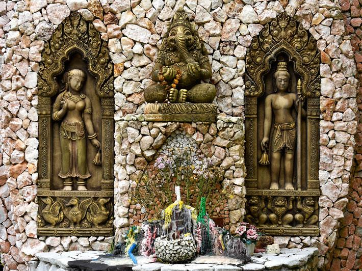 Bangkok, Thailand,  Fotografie, Photography, Reise, Russelsheim am Main, Rüsselsheim, Hessen, Fotograf, Tagesbuch, Asien, Wasserfall, Kho Phangan, Kho Samui, Religion, Statuen