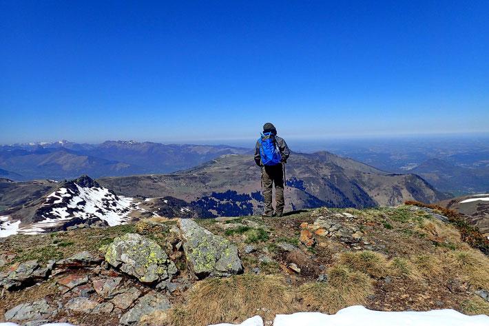 Du Pic du Mont (2009m), vue sur la plaine.