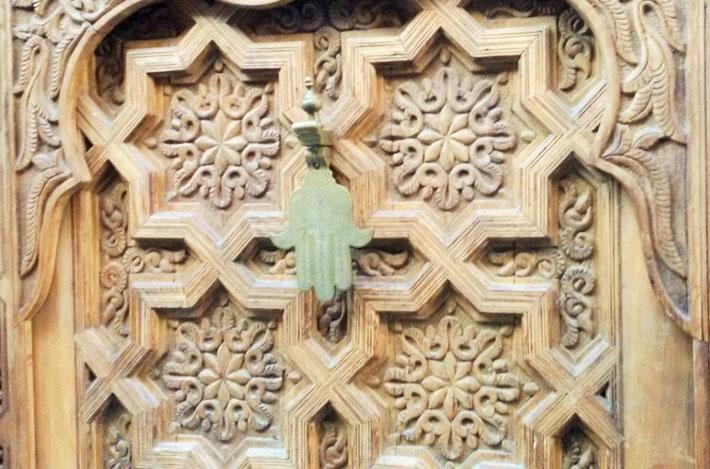 Marokkanische Tür Holzschnitzerei Hand der Fatima Chamsa