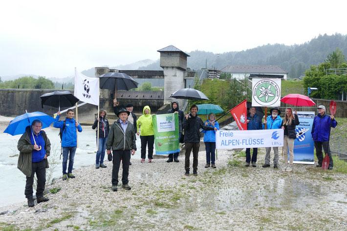 Vertreter der Organisationen zum Schutz der Oberen Isar, Foto: M. Schödl