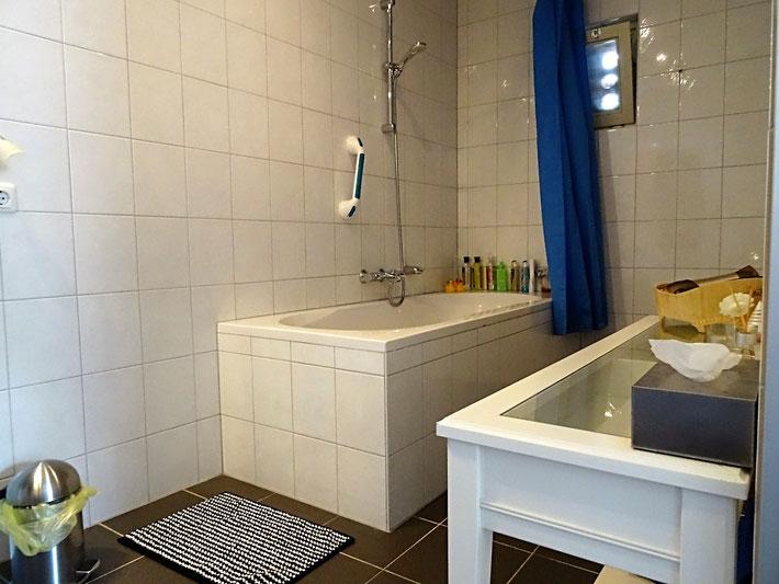 Ruime Badkamer en handdoucheset