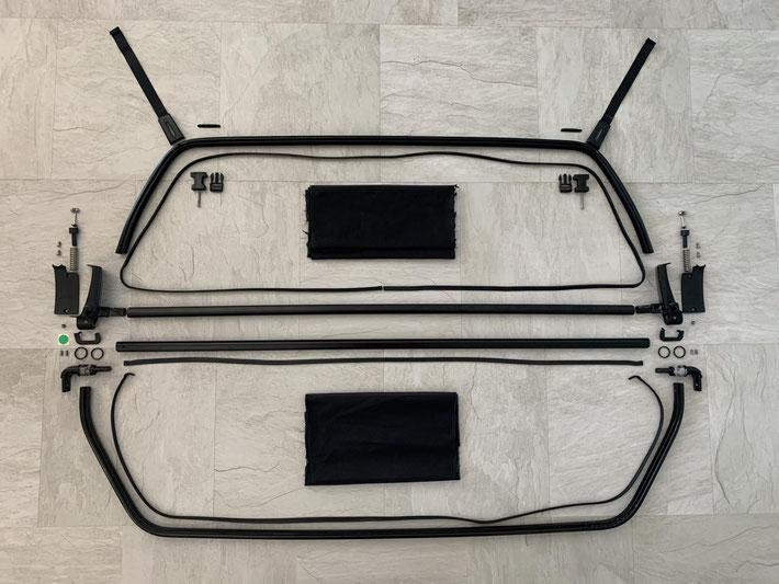Oris Windschott eines Mercedes-Benz SL Typ R129 in Einzelteile