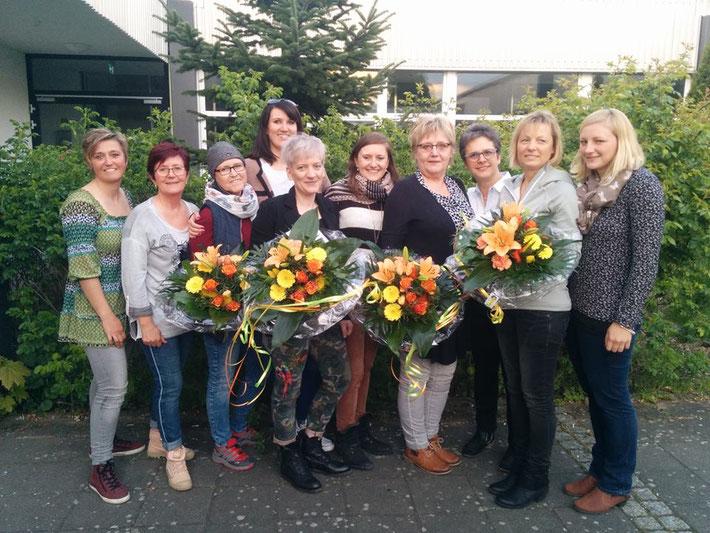 Von Links: Larissa Raithel, Steffi Kirstges, Gudrun Neumann, Diana Schneider, Pia Kraustscheid, Katharina Carstensen, Ingrid Sterzenbach, Susi Dittrich, Heike Knepper, Tanja Dietrich