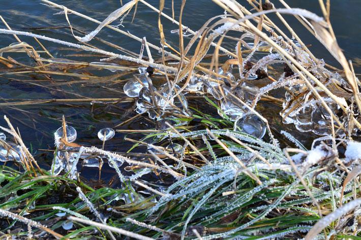 Eiskugeln in der Ahr