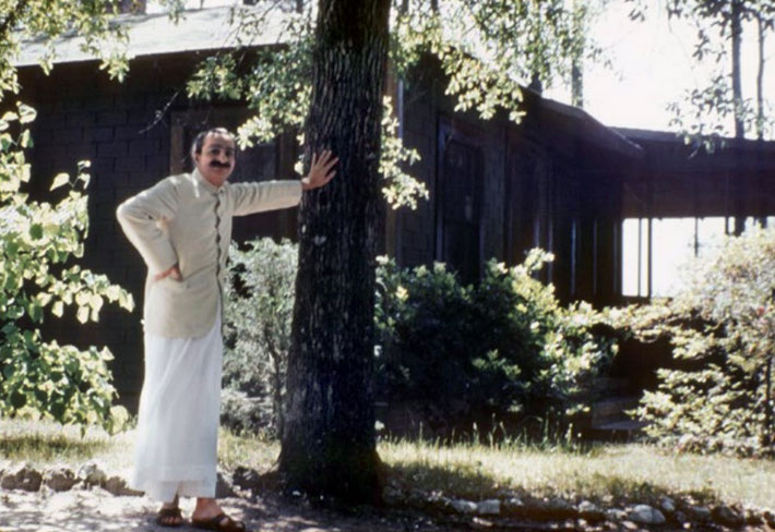 1952 : Meher Baba outside the Guesthouse at the Meher Center, Myrtle Beach. This picture was taken prior to the car accident which occurred soon afterwards.