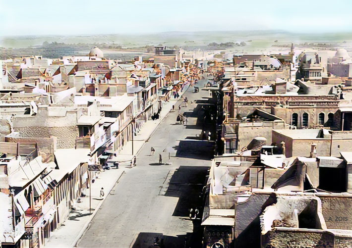 1930s : Mosul, Iraq.  Image colourized by Anthony Zois.