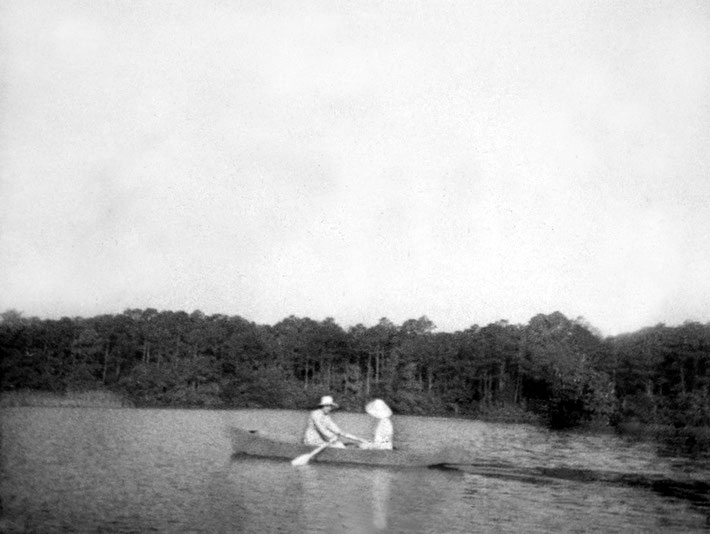 1952 ; Mehera and Mani Irani on the lake at the Center, Myrtle Beach.
