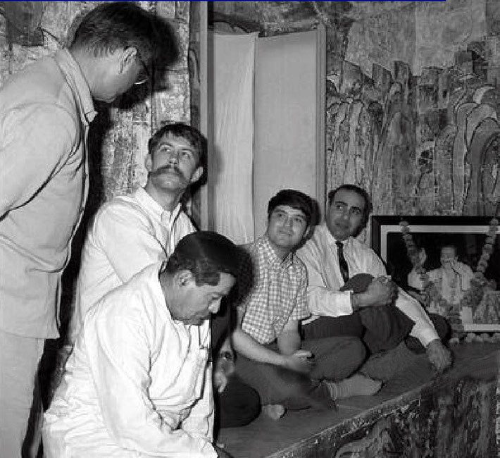 February 1969 - ( L-R ) Eruch Jessawala, Jal Irani, Rick Chapman, Allan and Aneece Hassen inside Baba's tomb..
